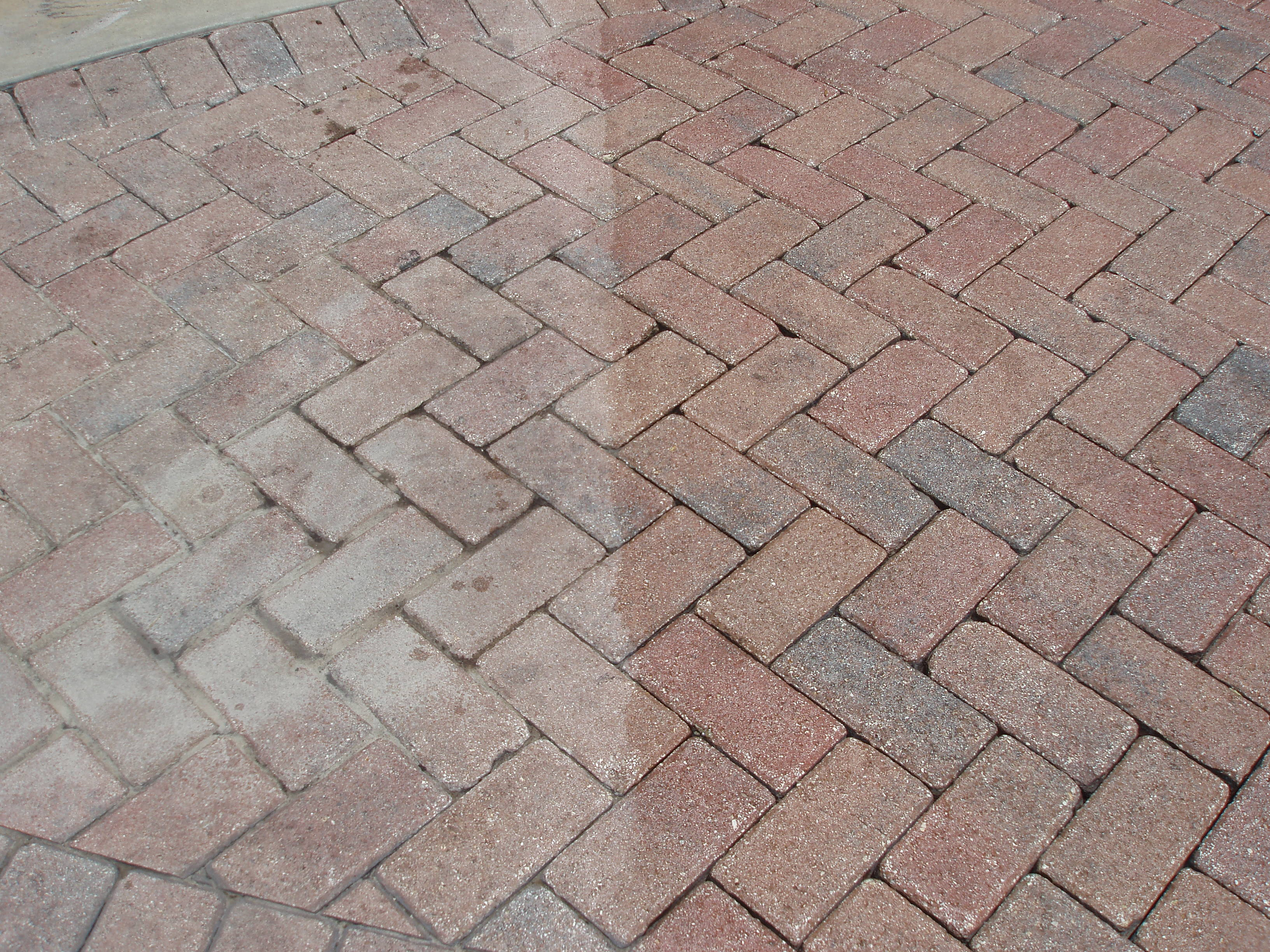 Pavers Are Generally Used For Applications Such As Courtyards, Walkways,  Pool, Driveways, Patios And Garden Pathways.